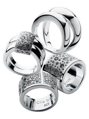 Une collection de bijoux en argent massif pour les femmes et les hommes qui apprécient lélégance à la française. Moderne, mode et intemporelle.